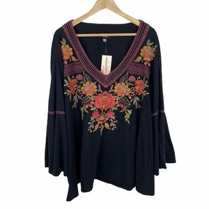 Johnny Was Violette Floral Embroidered Swing Top